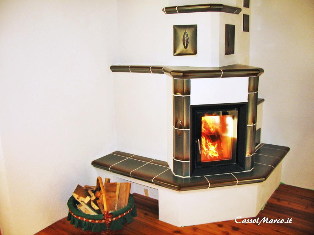 Stufa a legna per piccoli spazi e piccoli appartamenti for Piccoli spazi di luce
