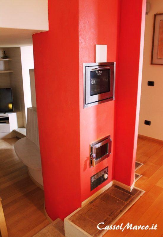 L 39 energia del rosso vivace nelle stufe su misura con forno - Forno a legna cucina moderna ...
