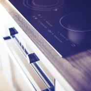 Cucine moderne: design, caminetti e stufe a legna
