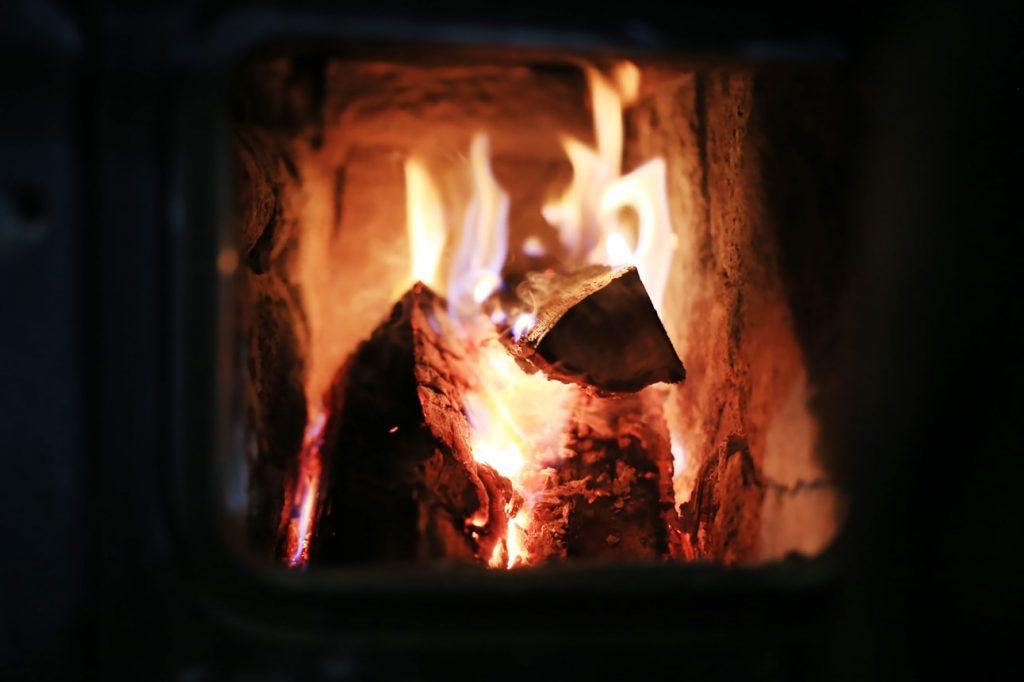 fuoco-fiamma-stufe-a-legna