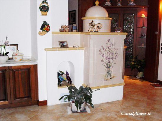 Piacevoli decorazioni sulle stufe in maiolica su misura e - Stufe in maiolica stube ...